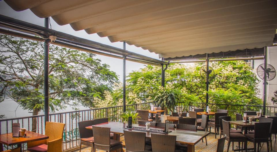 4 quán pub có view ngắm hồ Tây cực đỉnh dành cho những cô nàng đam mê văn hóa Apéro - hết giờ làm là đến giờ chill luôn! - Ảnh 15.