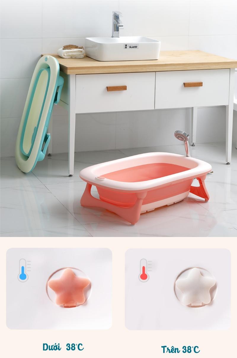 Gợi ý vài món đồ dùng, đồ chơi cho bé tắm vui mà bố mẹ cũng đỡ mệt hơn vài phần - Ảnh 1.