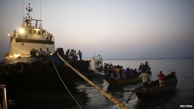 Hơn 20 người thiệt mạng trong vụ lật phà tại Bangladesh - Ảnh 1.