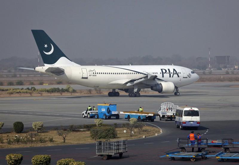 Bê bối bằng giả làm tổn hại uy tín của hàng không Pakistan - Ảnh 1.