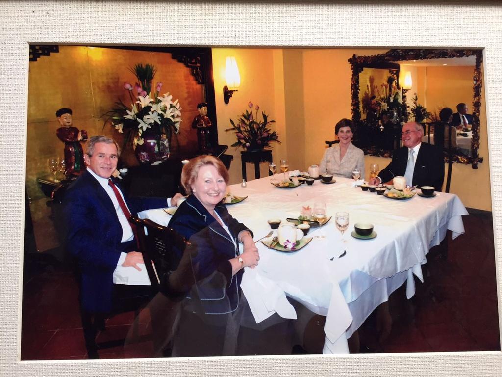 Những quán ăn từng được các Tổng thống Mỹ ghé thăm bây giờ ra sao? - Ảnh 7.