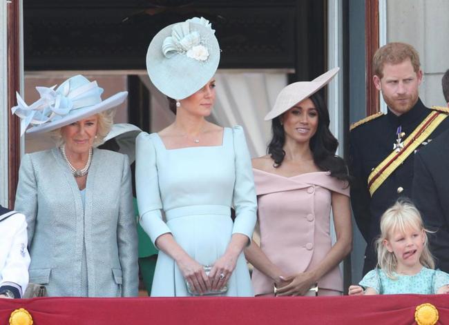 Meghan Markle giận dữ, nói lời khó nghe khi hoàng gia Anh bênh vực chị dâu Kate, chẳng khác nào cú tát giáng mạnh vào mình - Ảnh 2.