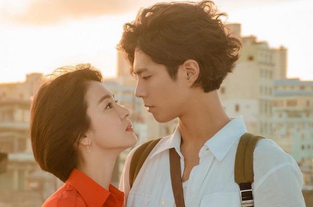 """Ẩn tình nào phía sau mối quan hệ """"nguội lạnh tàn tro"""" của Song Joong Ki và Park Bo Gum: Xem nhau như anh em ruột thịt nhưng quay lưng đã trở thành người dưng sau vụ ly hôn thế kỷ?  - Ảnh 9."""