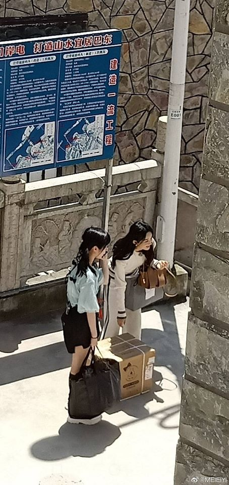 """""""Nhà hàng Trung Hoa 4"""": Triệu Lệ Dĩnh lộ ảnh rõ mặt xinh đẹp như gái 18 còn thân hình phải gọi là siêu gầy  - Ảnh 11."""