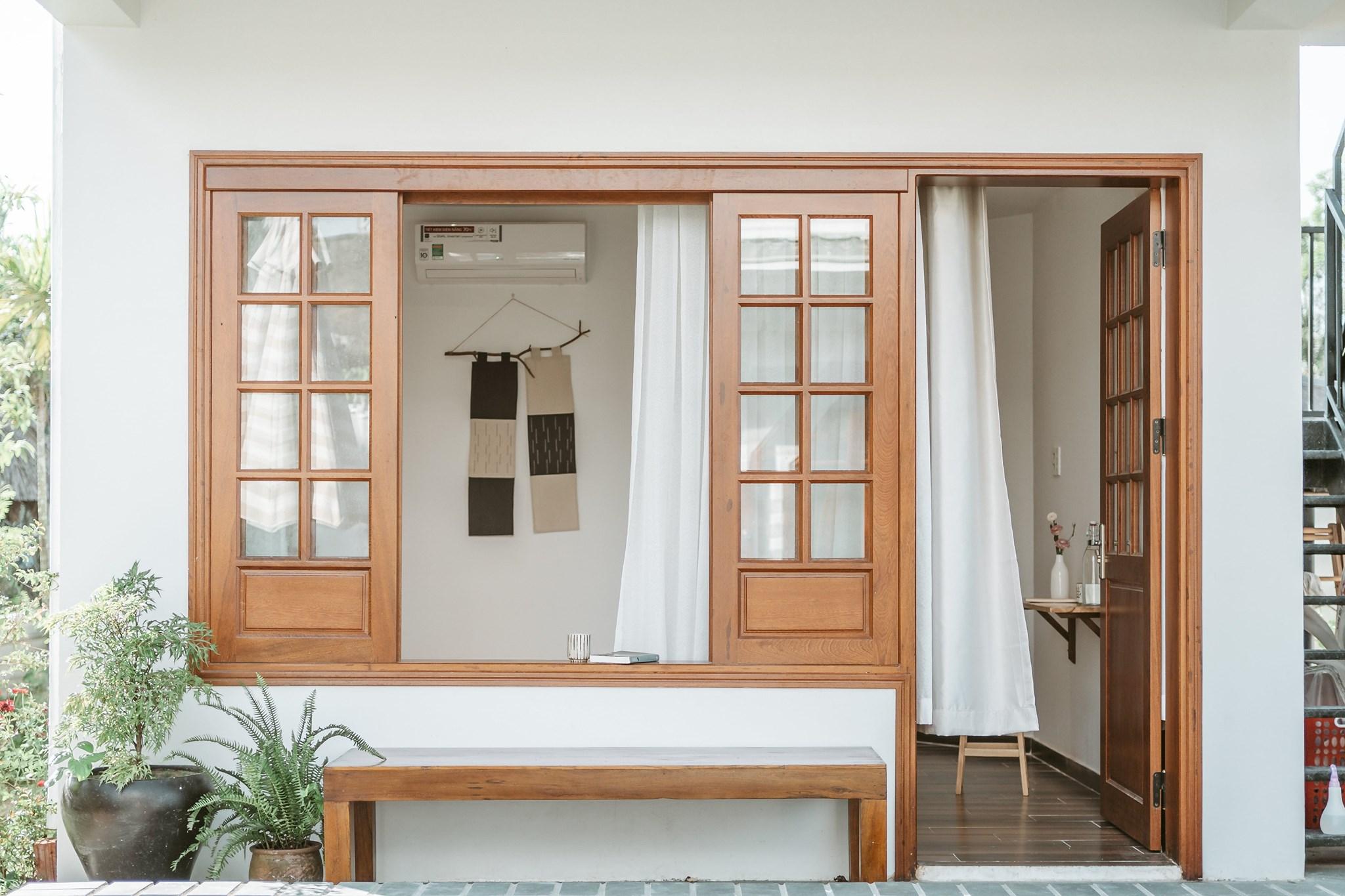 Cô gái quyết định rời Sài Gòn về Hội An cải tạo nhà ở 20 năm đã xuống cấp thành homestay 5 phòng đẹp lung linh, cho khách thuê chỉ 420-520 ngàn đồng/ phòng - Ảnh 1.