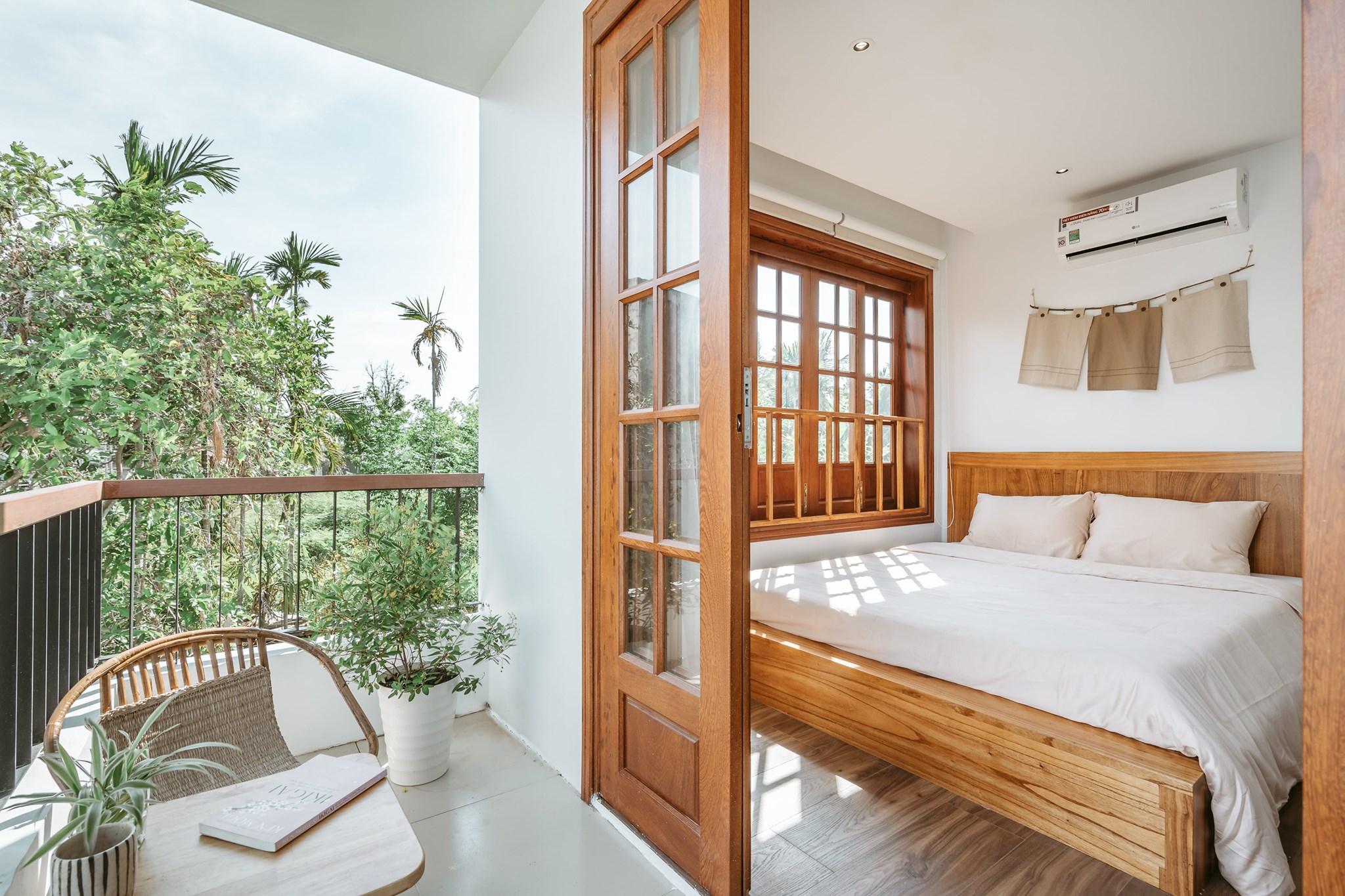 Cô gái quyết định rời Sài Gòn về Hội An cải tạo nhà ở 20 năm đã xuống cấp thành homestay 5 phòng đẹp lung linh, cho khách thuê chỉ 420-520 ngàn đồng/ phòng - Ảnh 2.