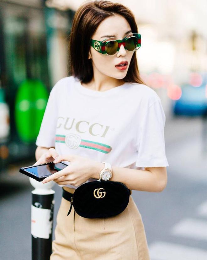 """Trái ngược với danh sách dài dằng các người đẹp Vbiz diện túi đeo hông Gucci, MC Mai Ngọc """"một mình một kiểu"""" vẫn  - Ảnh 4."""