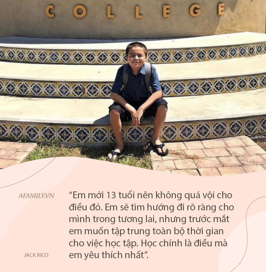 Không phải thần đồng nhưng cậu bé 13 tuổi sở hữu 4 bằng cử nhân, bí quyết dạy con từ người mẹ khiến cả thế giới thán phục  - Ảnh 3.