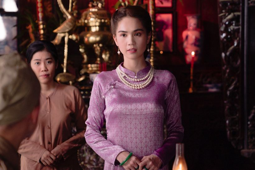"""""""Nữ hoàng nội y"""" và những lần gây thương nhớ trong tà áo dài truyền thống: Có một Ngọc Trinh kín đáo, thanh tao đẹp đế ngây người - Ảnh 2."""