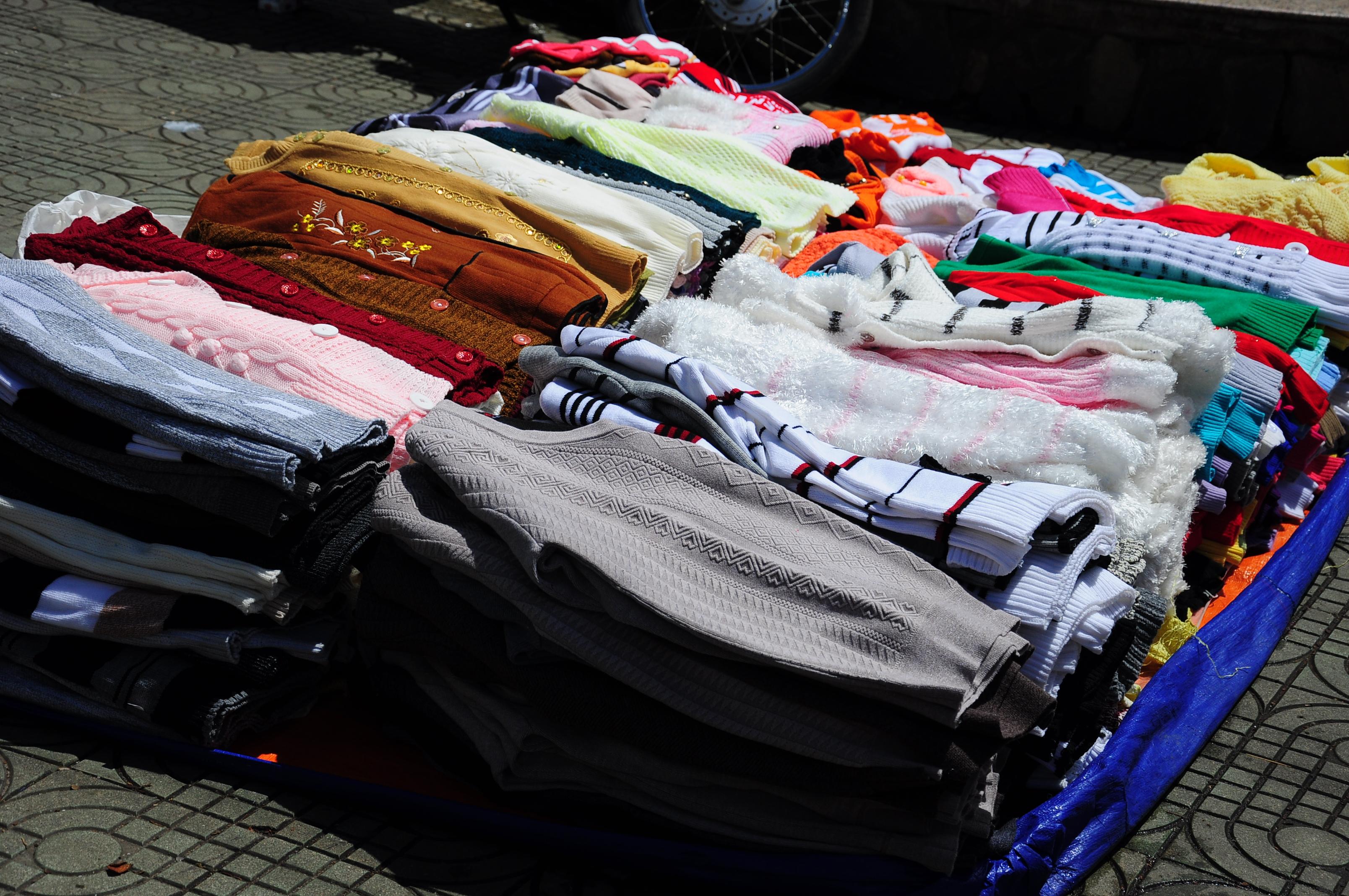 """Chủ tiệm hàng thùng 15 năm mua đồ ở chợ secondhand Đà Lạt chia sẻ kinh nghiệm giúp chị em từ vùng miền khác """"gà rù"""" mấy cũng mua được đồ ưng mang về - Ảnh 6."""