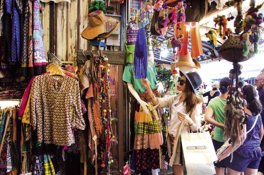 """Chủ tiệm hàng thùng 15 năm mua đồ ở chợ secondhand Đà Lạt chia sẻ kinh nghiệm giúp chị em từ vùng miền khác """"gà rù"""" mấy cũng mua được đồ ưng mang về - Ảnh 3."""