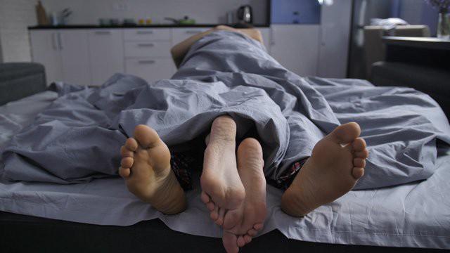 """Những kiểu quan hệ tình dục đầy """"sáng tạo"""" của thời hiện đại nhưng chính là thủ phạm làm hại tử cung, khiến chị em vô sinh hiếm muộn  - Ảnh 1."""