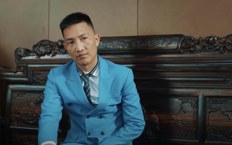 """Chỉ sau 1 đêm, MV ca nhạc quảng cáo game đánh bạc online của giang hồ mạng Huấn Hoa Hồng đã """"bay màu"""" trên Youtube"""