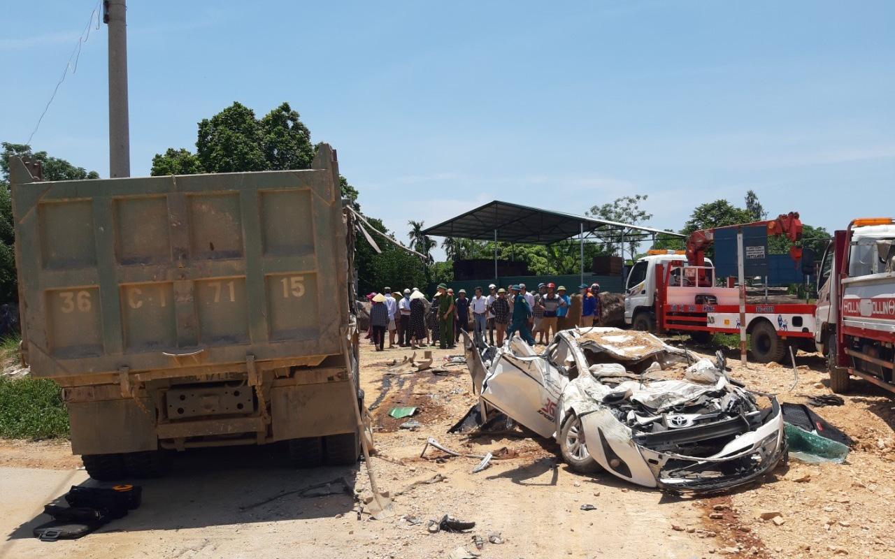 Vụ xe tải đè bẹp xe con khiến 3 người tử vong ở Thanh Hóa: Sức khỏe hiện tại của cháu bé sống sót duy nhất