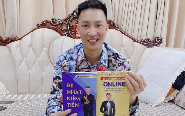 Giang hồ mạng Huấn Hoa Hồng ra MV ca nhạc, hát khuyên mọi người tránh xa cờ bạc nhưng lại quảng cáo cho game đánh bạc online - Ảnh 8.