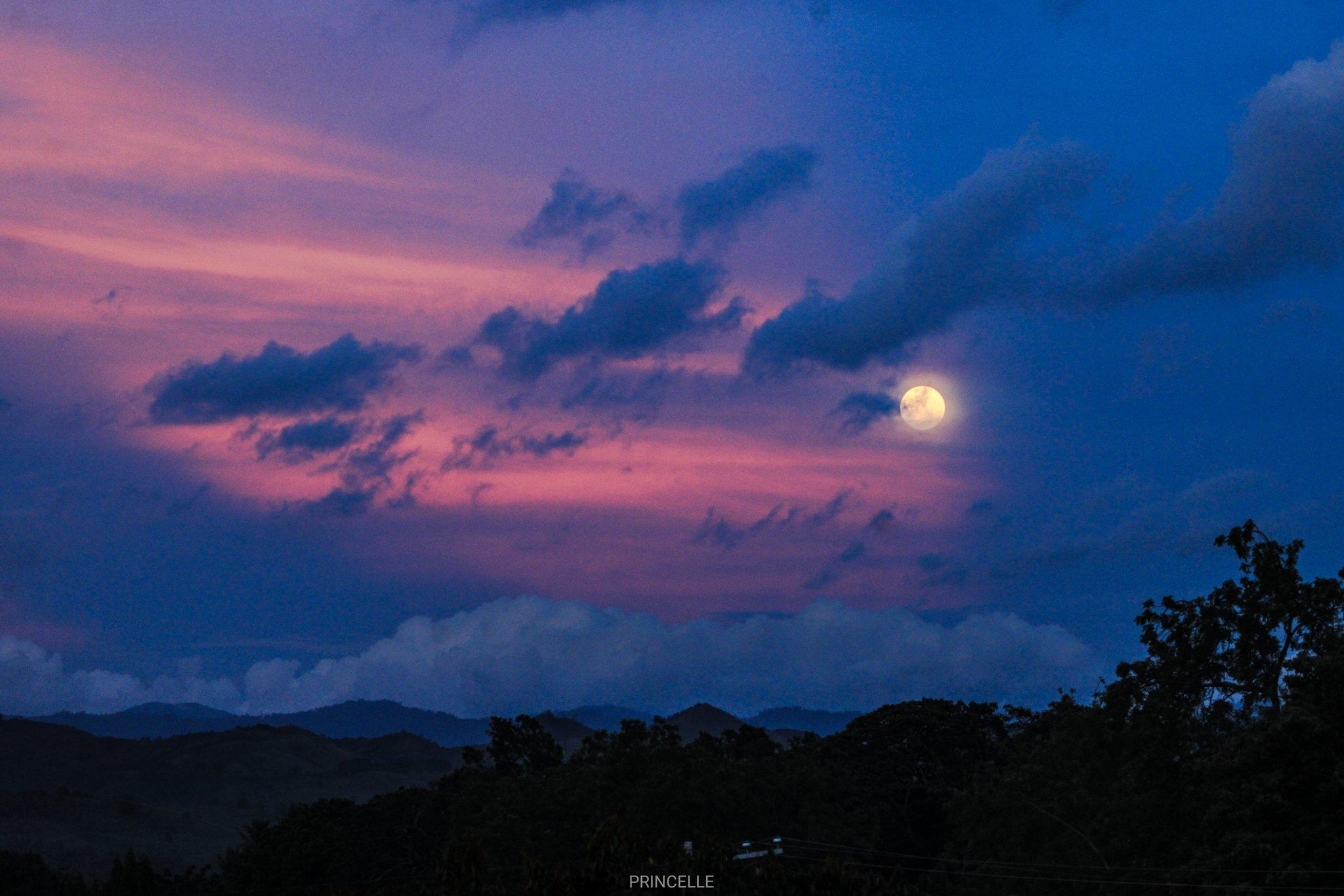 Ngất ngây với một loạt khoảnh khắc về hiện tượng mặt trăng dâu tây hiếm có diễn ra vào đêm qua, rạng sáng nay - Ảnh 12.