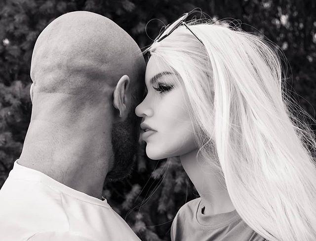 Sau 8 tháng hẹn hò yêu đương nghiêm túc, vận động viên thể hình tuyên bố sẽ kết hôn với búp bê tình dục của mình - Ảnh 4.