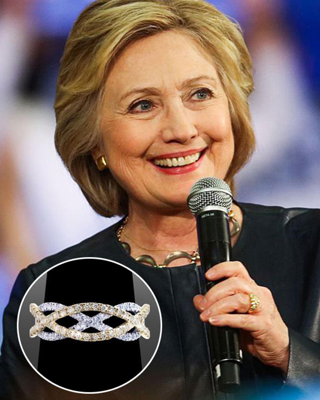 Đi tìm trang sức hấp dẫn những nữ chính khách quyền lực nhất thế giới