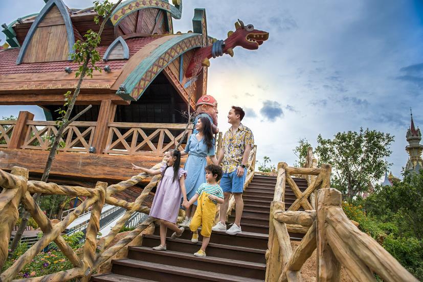 """""""Kỳ nghỉ Tết dài nhất lịch sử"""" đã là quá khứ, kỳ nghỉ hè đặc biệt nhất của con sẽ bắt đầu tại VinWonders Phú Quốc - Ảnh 1."""