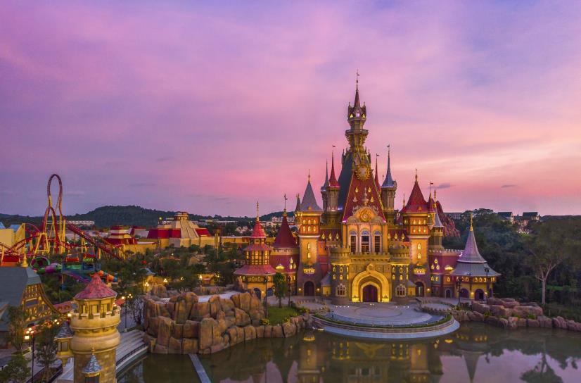 """""""Kỳ nghỉ Tết dài nhất lịch sử"""" đã là quá khứ, kỳ nghỉ hè đặc biệt nhất của con sẽ bắt đầu tại VinWonders Phú Quốc - Ảnh 2."""