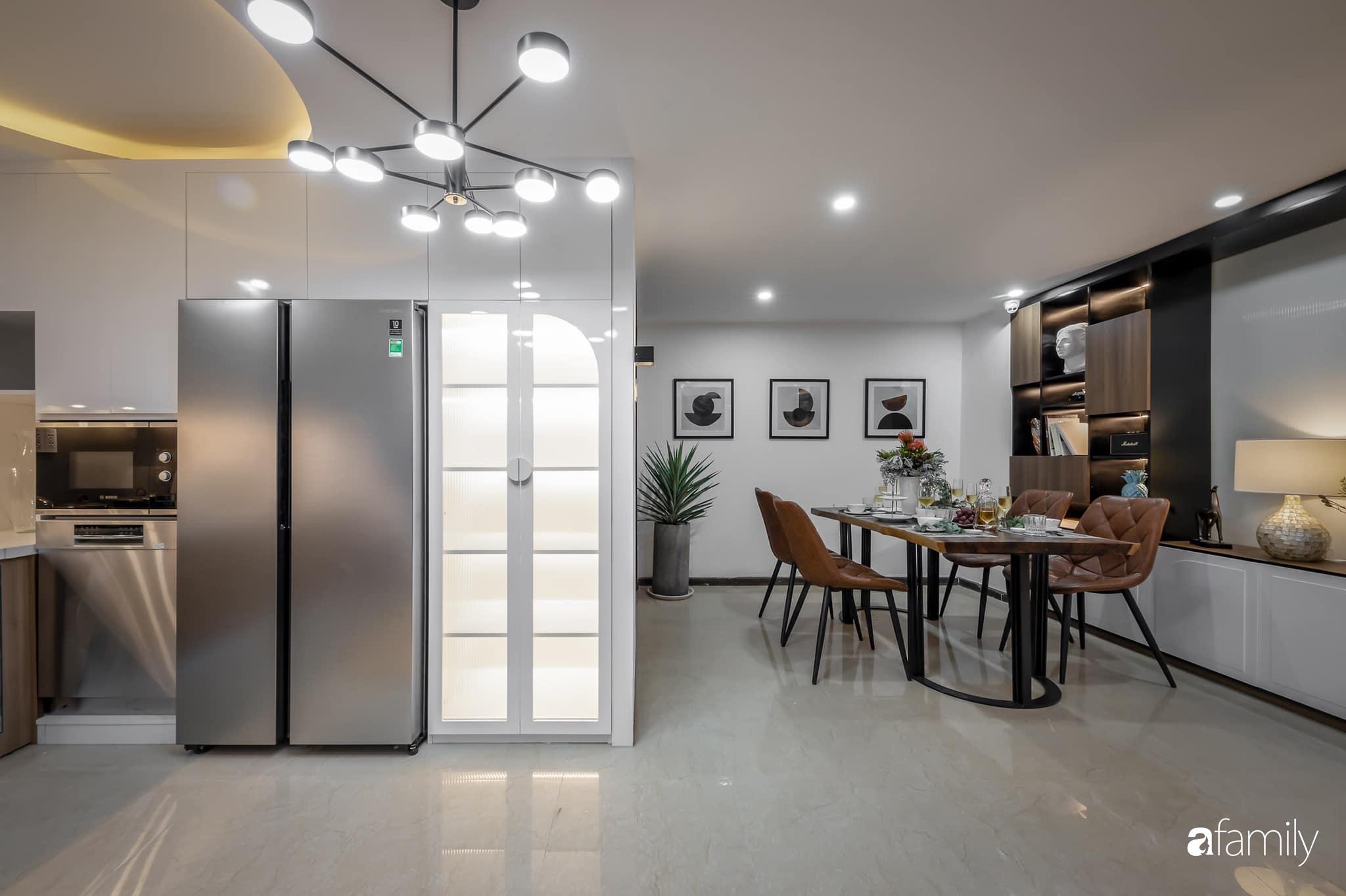 Căn nhà 5 tầng trong hẻm sang chảnh như resort cao cấp với chi phí thiết kế 900 triệu đồng ở TP HCMHCM - Ảnh 2.