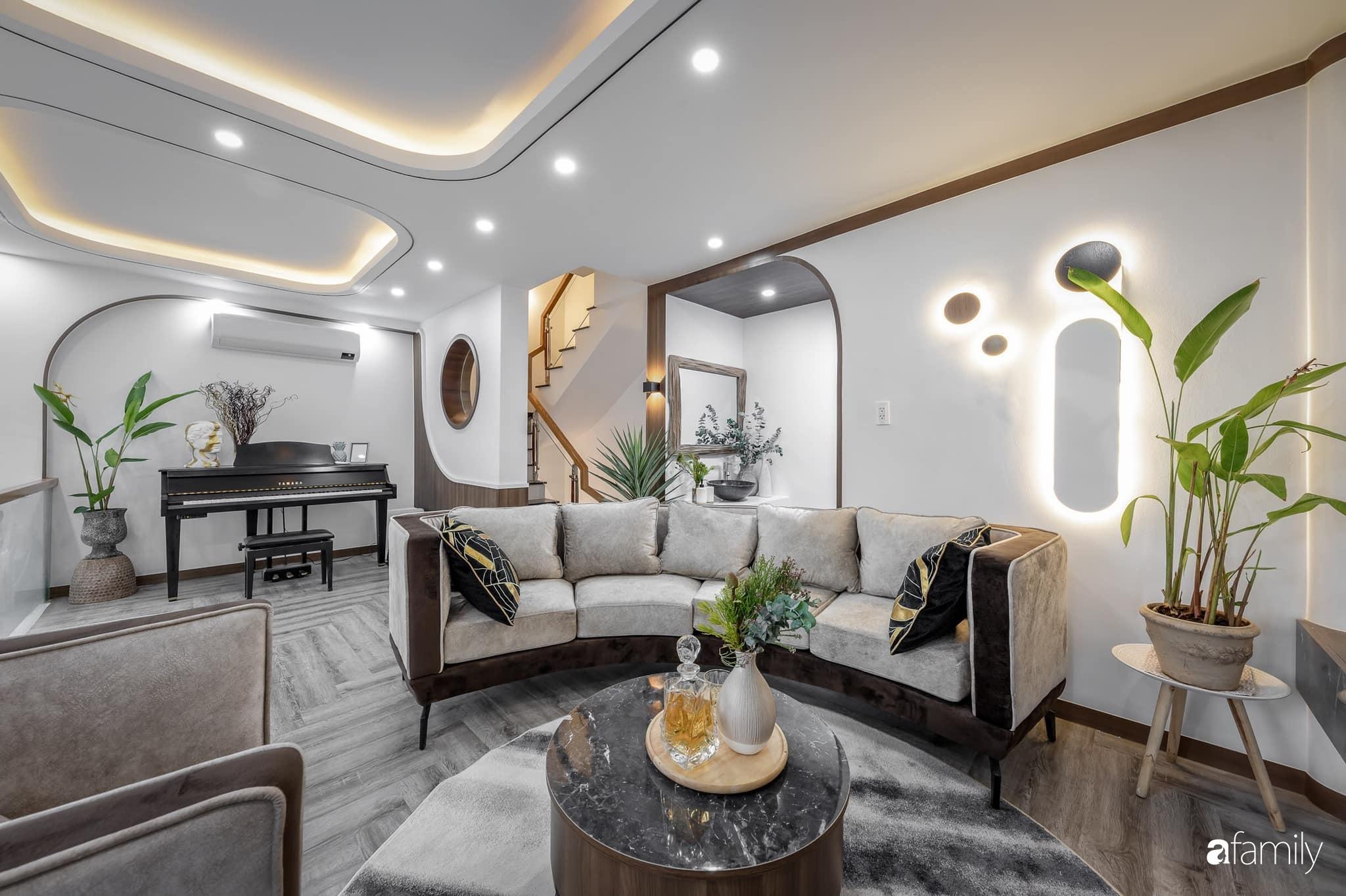 Căn nhà 5 tầng trong hẻm sang chảnh như resort cao cấp với chi phí thiết kế 900 triệu đồng ở TP HCMHCM - Ảnh 5.