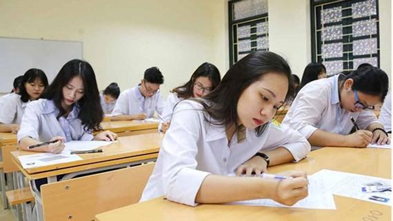 Bộ Giáo dục công bố chi tiết lịch thi tốt nghiệp THPT 2020 - Ảnh 2.