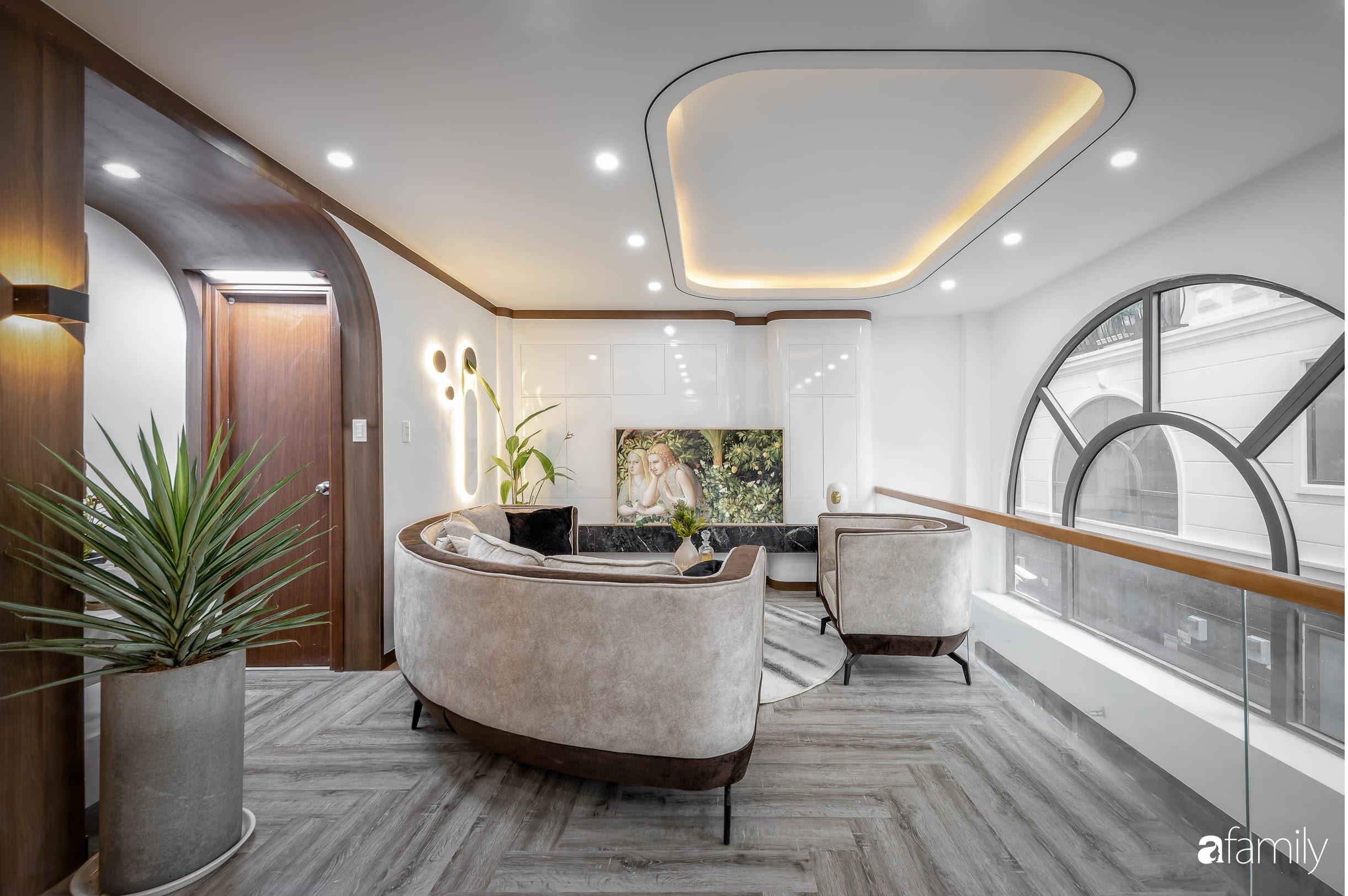 Căn nhà 5 tầng trong hẻm sang chảnh như resort cao cấp với chi phí thiết kế 900 triệu đồng ở TP HCMHCM - Ảnh 6.