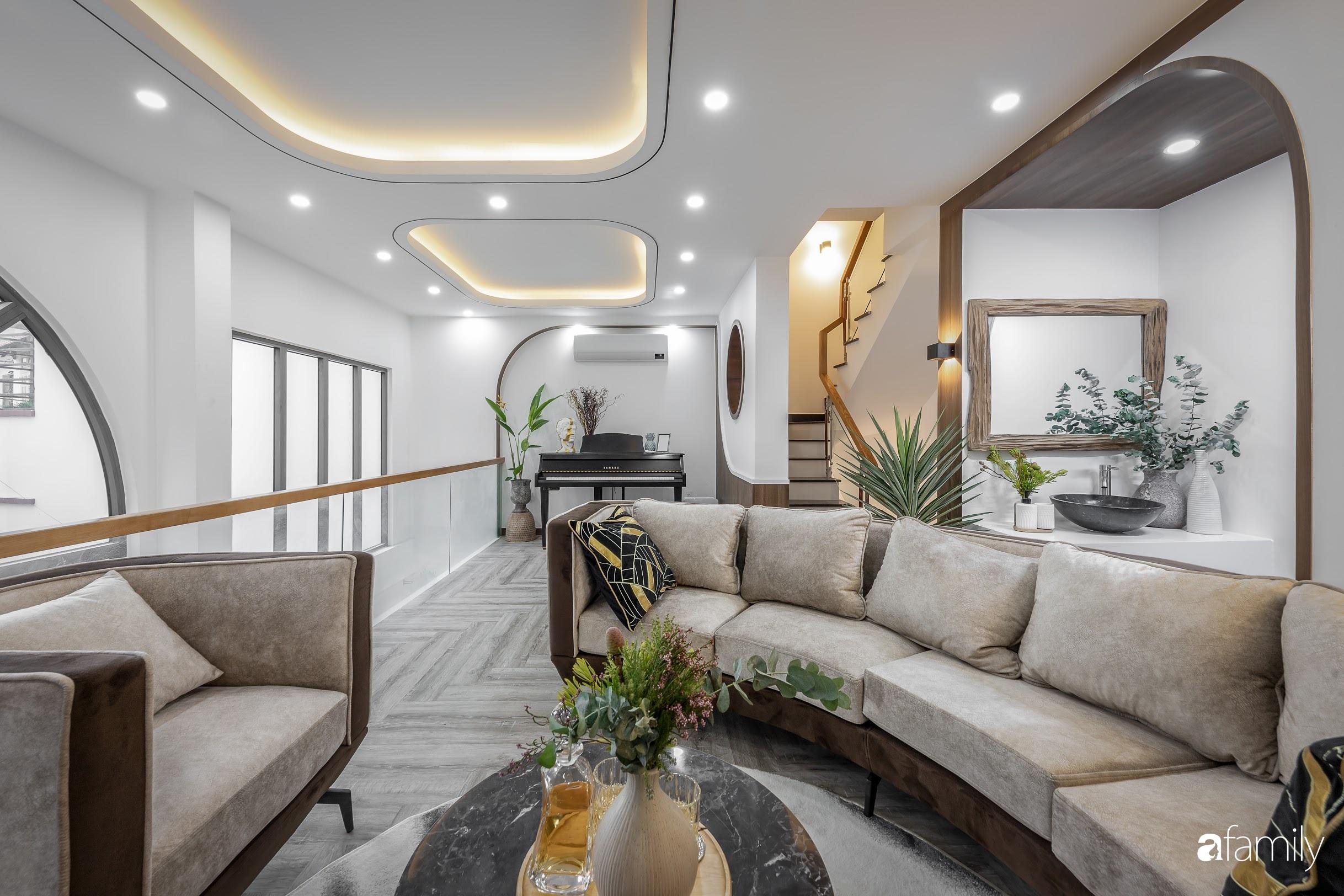 Căn nhà 5 tầng trong hẻm sang chảnh như resort cao cấp với chi phí thiết kế 900 triệu đồng ở TP HCMHCM - Ảnh 1.
