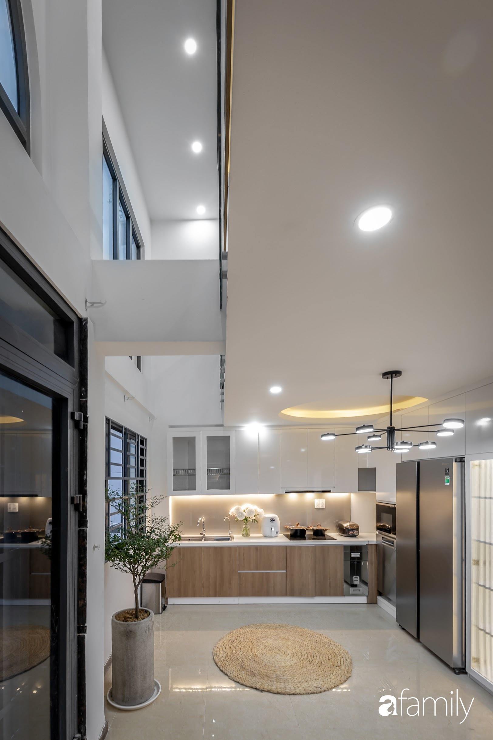 Căn nhà 5 tầng trong hẻm sang chảnh như resort cao cấp với chi phí thiết kế 900 triệu đồng ở TP HCMHCM - Ảnh 18.