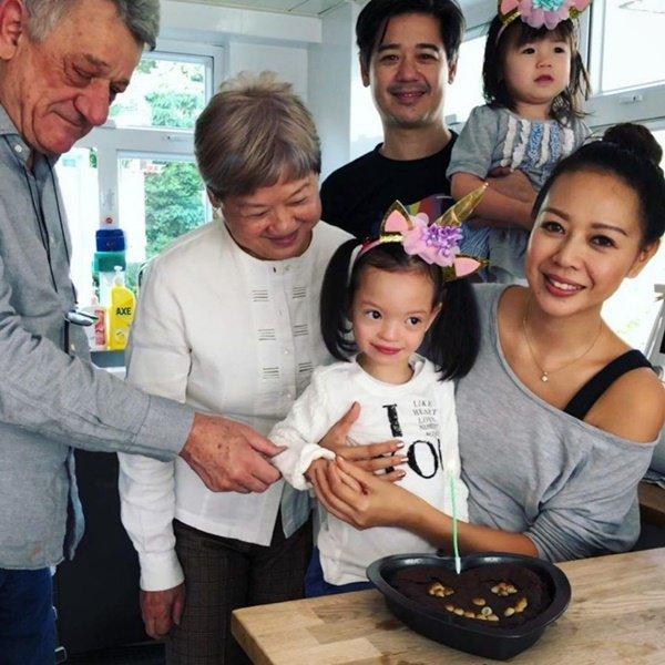 Bác sĩ bảo con gái chỉ sống được đến năm 2 tuổi, nữ diễn viên nổi tiếng mặc kệ không tin, kết quả 9 năm sau mới kinh ngạc - Ảnh 7.