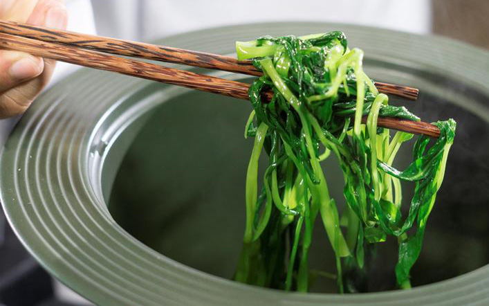 Người đàn ông 65 tuổi bị suy thận sau khi ăn đồ thừa để qua đêm, bác sĩ khuyến cáo: Có 5 món tuyệt đối đừng để lâu vì có thể gây độc