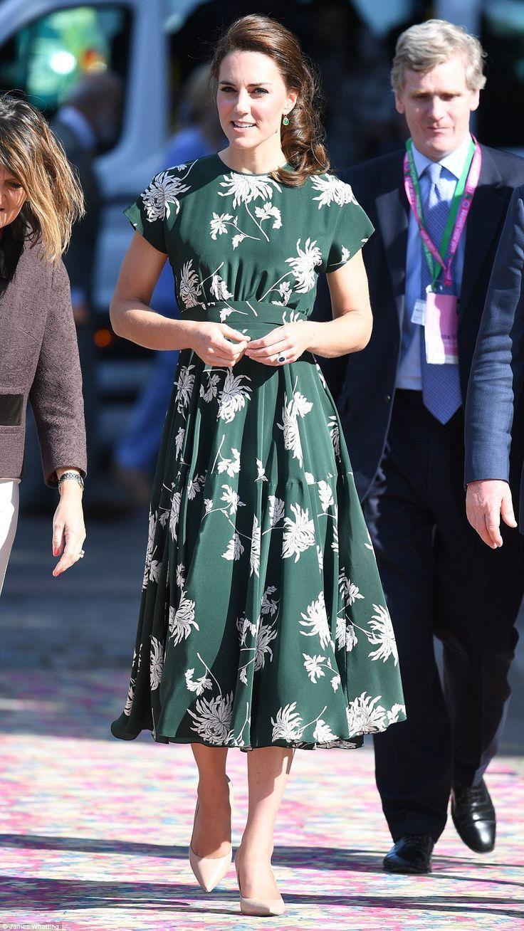 Váy hoa của Kate  - Ảnh 8.