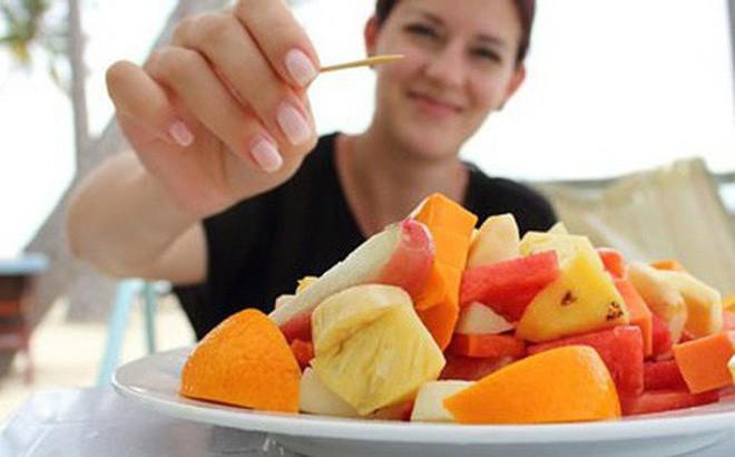 Ăn trái cây kiểu này vừa chẳng 'thấm' được tý chất nào, vừa gây hại cho cơ thể - Ảnh 3.