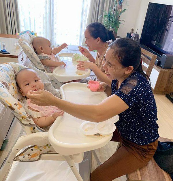 Nuôi con sinh đôi, bà xã Thành Trung thuê 3 người giúp việc, tự tay chuẩn bị đồ ăn dặm cho con cực cầu kỳ - Ảnh 1.