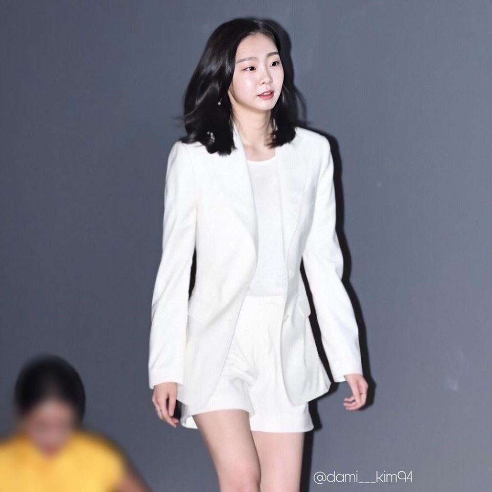 """Hết phim, """"điên nữ Itaewon Class"""" từ cool ngầu, cá tính quay ngoắt sang style xinh xẻo dễ thương - Ảnh 3."""
