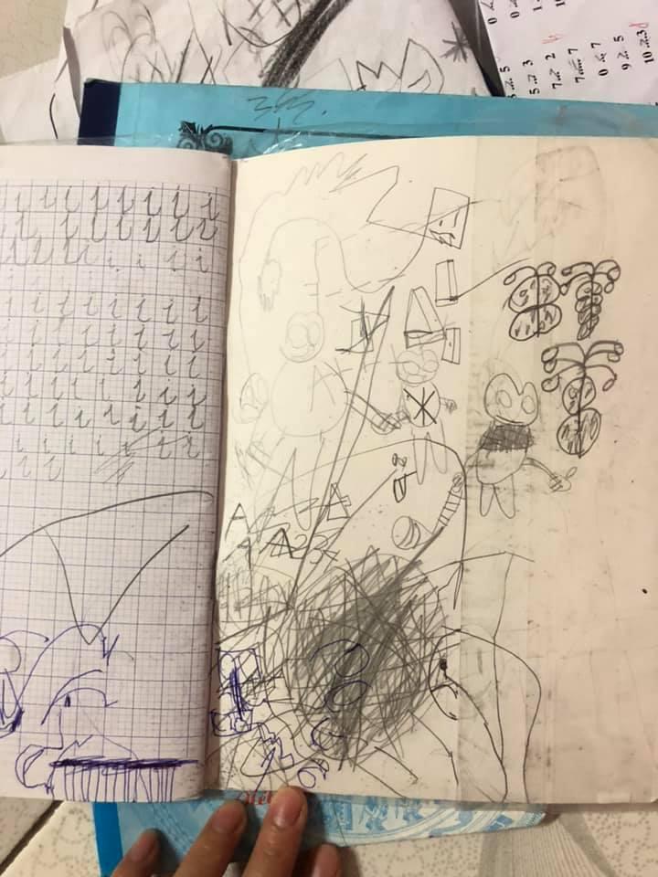 """Vô tình chia sẻ ảnh vở tập viết của con, mẹ trẻ được dân mạng chỉ ra """"bệnh chung"""" mà đứa trẻ nào cũng mắc phải khi đến tuổi đi học - Ảnh 6."""