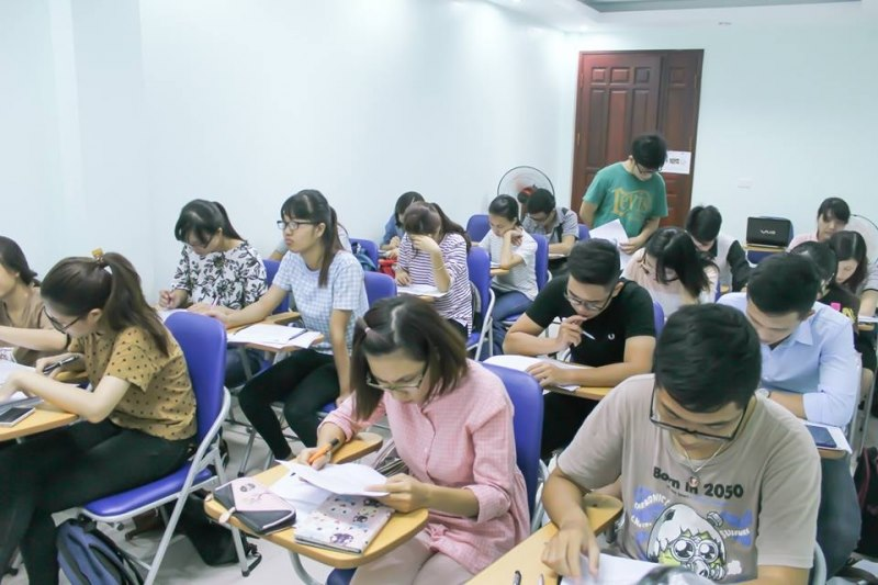 """Top 5 lớp học của các thầy cô tại Hà Nội giúp """"cày"""" IELTS band khủng chỉ trong thời gian luyện ngắn  - Ảnh 3."""