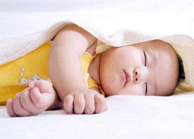Tư thế ngủ cũng tiết lộ phần nào tính cách con người trẻ, cùng xem con bạn ngủ theo kiểu nào nhé! - Ảnh 4.