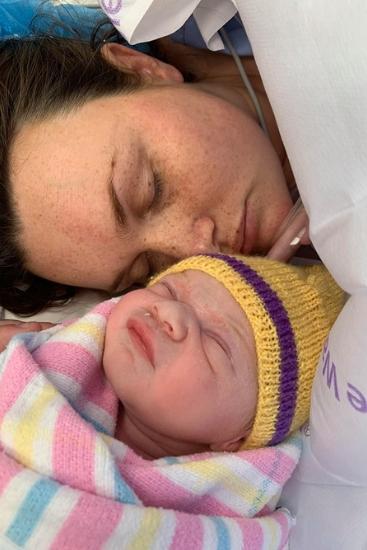 Vì sơ suất nhỏ này khi gây tê ngoài màng cứng, bà mẹ này đã phải trải qua ca sinh mổ khẩn cấp không thể quên - Ảnh 1.
