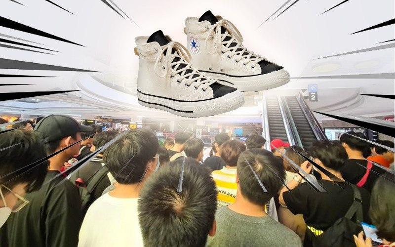 Dòng người đổ xô đi mua giày hot gây tranh cãi: Là mộ điệu chân chính hay có bí ẩn gì đằng sau?