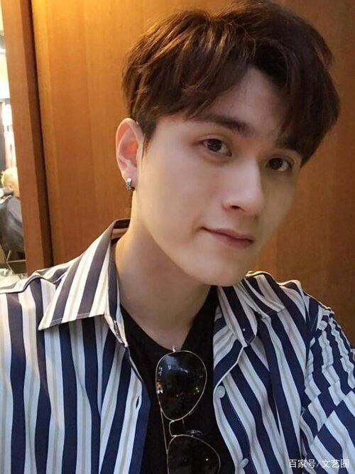 Sốc: Nam ca sĩ 26 tuổi nổi tiếng Hong Kong uống thuốc ngủ tự tử tại nhà riêng - Ảnh 2.