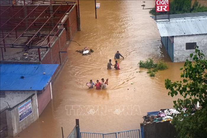 Lũ lụt, lở đất làm hơn 40 người chết ở Nepal - Ảnh 1.