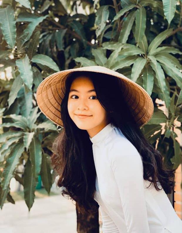 Sự thay đổi ngoại hình chóng mặt của nhóc tỳ nhà sao Việt: Con gái Trương Ngọc Ánh chân dài miên man, sốc nhất là vẻ sexy của ái nữ nhà Lưu Thiên Hương - Ảnh 3.