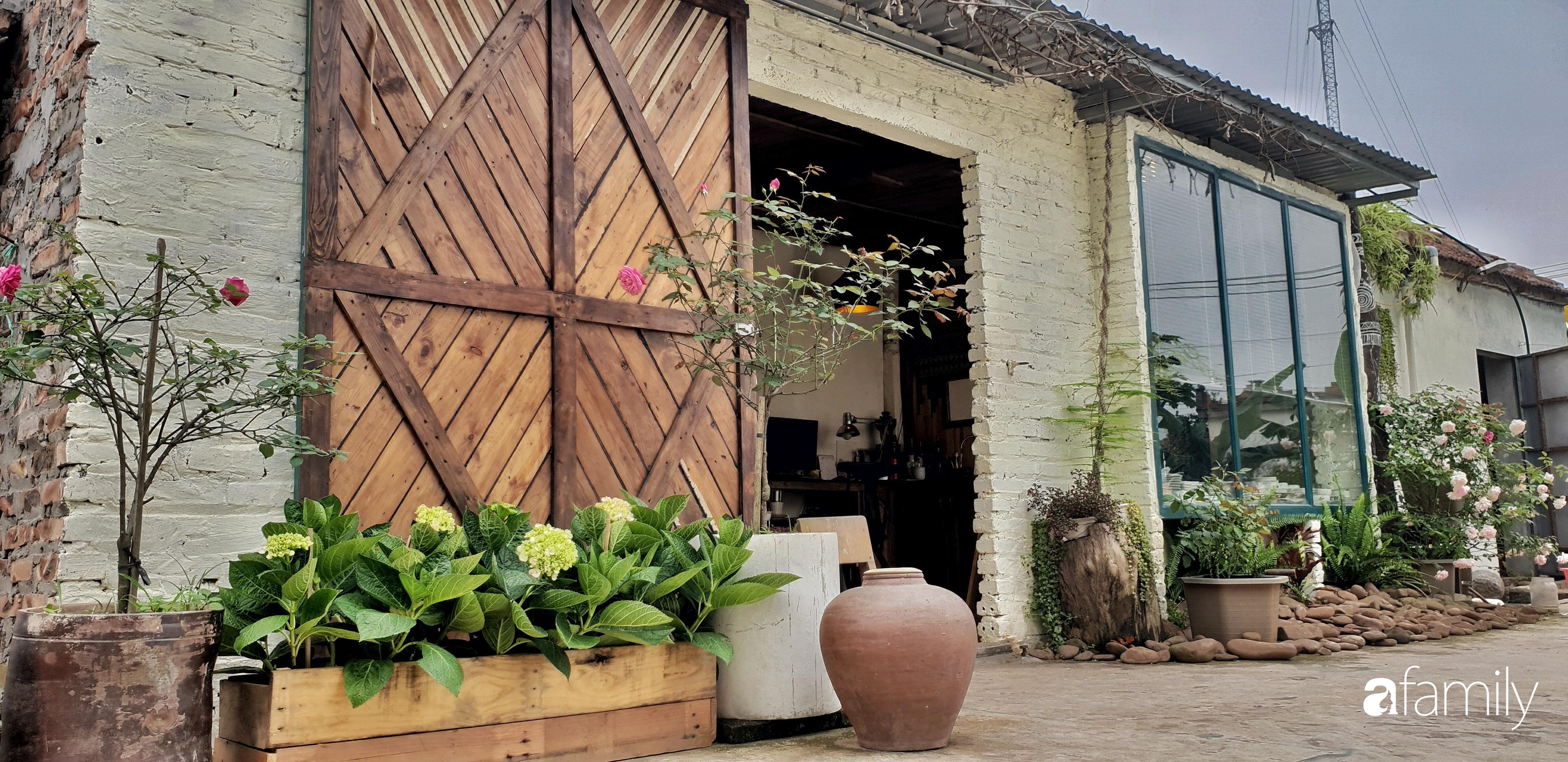 Chàng trai miền Trung biến nhà kho cũ thành ngôi nhà hạnh phúc đẹp lãng mạn cho hai vợ chồng - Ảnh 4.