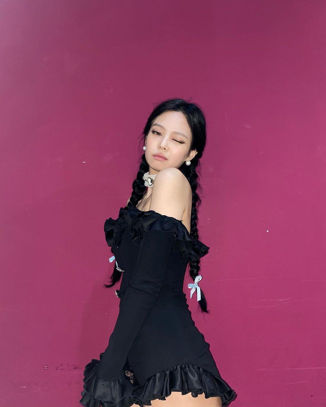 Cứ hỏi sao Jennie hay được stylist chăm chút nhất nhóm, một phần là bởi cô khéo biến hình xuất sắc thế này cơ mà - Ảnh 3.