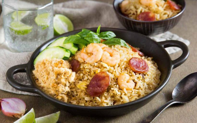 Nguyên liệu này người Việt nào cũng biết nhưng chưa từng dùng trong món cơm chiên, vị ngon mang lại thực sự bất ngờ!
