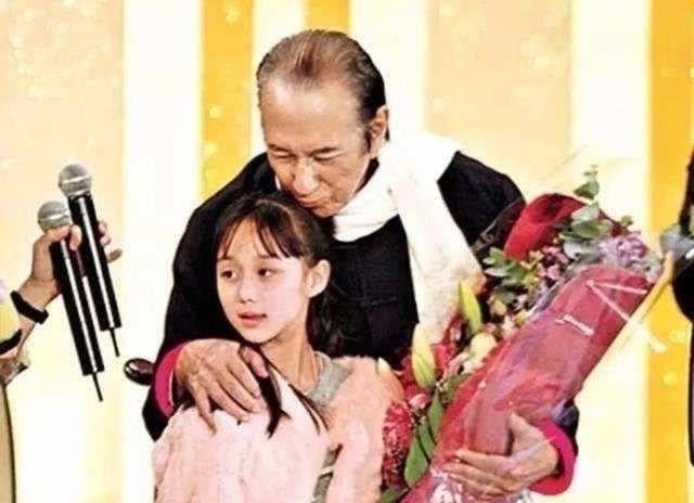 Vua sòng bài Macau ở tuổi 78 vẫn có thể sinh ra người con gái út xinh xắn và giỏi giang, rốt cuộc là vì sao? - Ảnh 1.