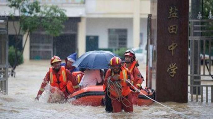 Lũ lụt lớn chưa từng có hoành hành tại Trung Quốc và Nhật Bản - Ảnh 1.