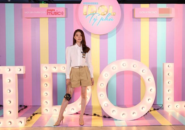 Gần đây Jolie Nguyễn đóng vai rich kid, mặc toàn đồ hiệu sang chảnh và đố khán giả đếm số trang phục mình mặc  - Ảnh 4.
